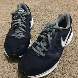 9.5 Navy and White Nike's for men